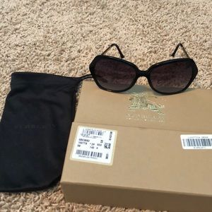 0ca4368b1c28 Burberry Accessories - Burberry sunglasses purchased at Dillard s - EUC